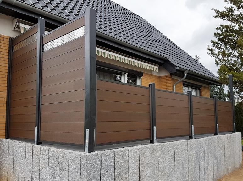 sichtschutz aus hpl kunststoff wpc aluminium und glas helmut h schultz gmbh. Black Bedroom Furniture Sets. Home Design Ideas